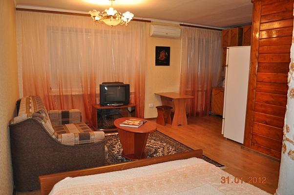 1-комнатная квартира посуточно в Запорожье. Жовтневый район, пр-т Соборный (Ленина), 143. Фото 1