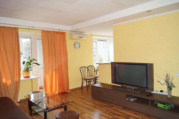 3-комнатная квартира посуточно в Киеве. Печерский район, ул. Большая Васильковская, 102. Фото 1