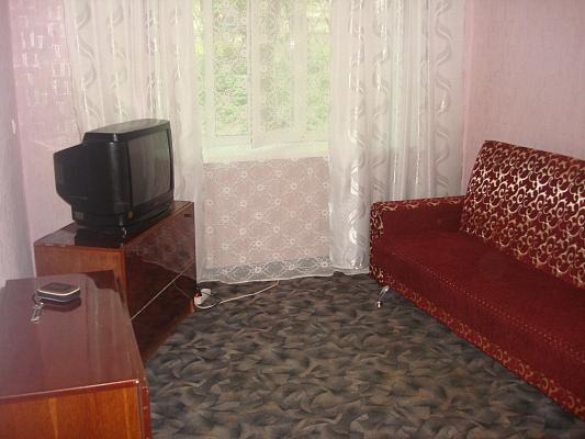 1-комнатная квартира посуточно в Никополе. ул. Электрометаллургов, 2а. Фото 1
