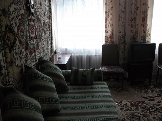 2-комнатная квартира посуточно в Керчи. ул. Айвазовского, 31. Фото 1
