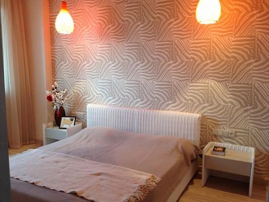 2-комнатная квартира посуточно в Донецке. Ворошиловский район, ул. Артема, 77. Фото 1