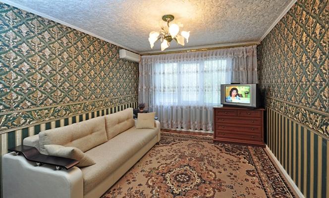 2-комнатная квартира посуточно в Харькове. Московский район, ул. Героев Труда, 15б. Фото 1