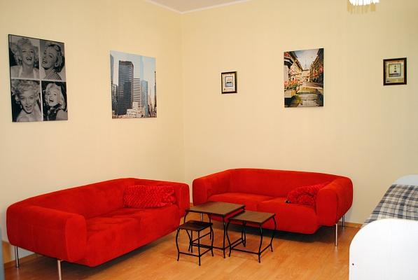 1-комнатная квартира посуточно в Одессе. Приморский район, ул. Малая Арнаутская, 105. Фото 1