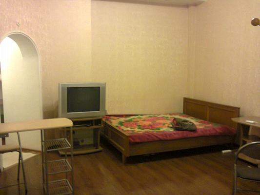 1-комнатная квартира посуточно в Одессе. Приморский район, ул. Троицкая, 49. Фото 1
