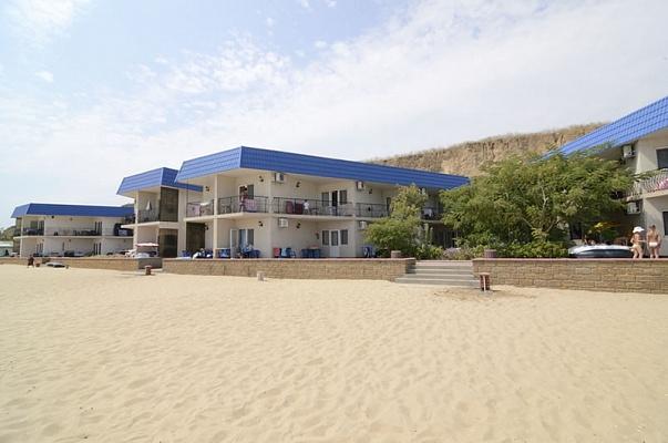 Мини-отель  посуточно в Грибовке. ул. Приморская, 29. Фото 1