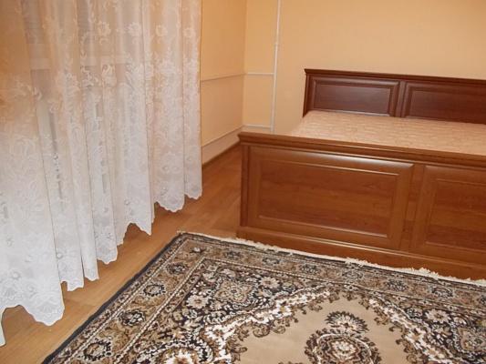 1-комнатная квартира посуточно в Херсоне. Суворовский район, ул. 295 Стрелковой Дивизии, 25. Фото 1