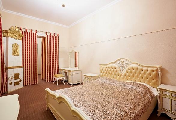 3-комнатная квартира посуточно в Львове. Галицкий район, ул. Грушевского, 21. Фото 1