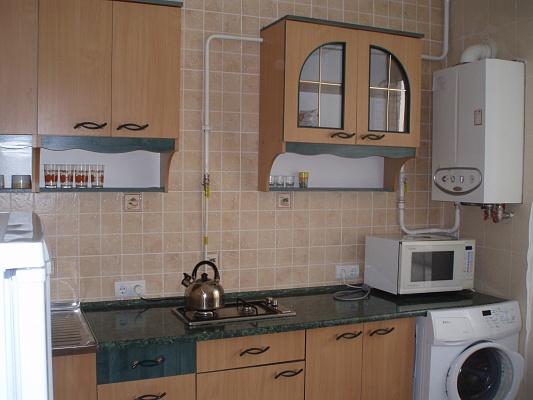 2-комнатная квартира посуточно в Луцке. ул. Зацепы, 3л. Фото 1