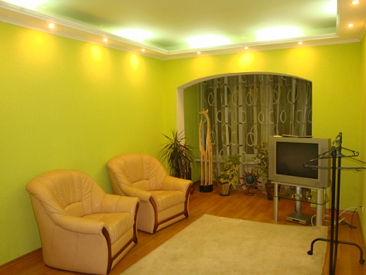 2-комнатная квартира посуточно в Киеве. Днепровский район, ул. Челябинская, 1. Фото 1