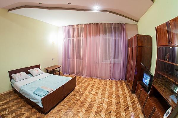1-комнатная квартира посуточно в Львове. Галицкий район, ул. Под Дубом, 6. Фото 1