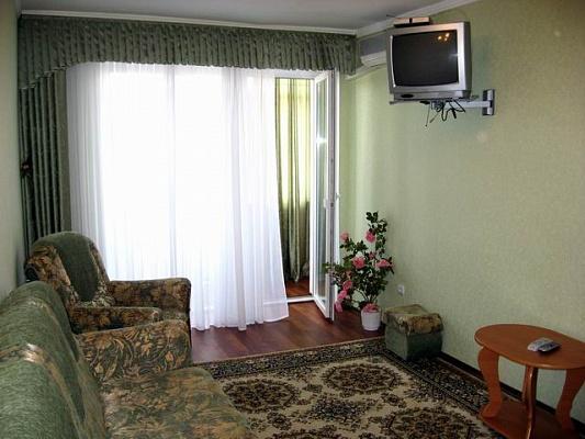 3-комнатная квартира посуточно в Николаеве. Центральный район, ул. Адмиральская, 19. Фото 1