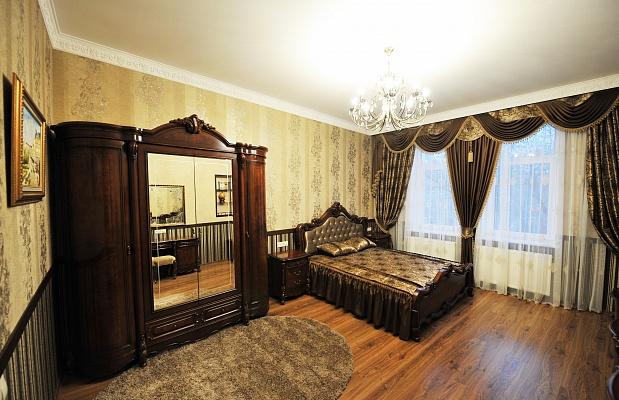 1-комнатная квартира посуточно в Львове. Галицкий район, пл. Данила Галицкого, 15. Фото 1