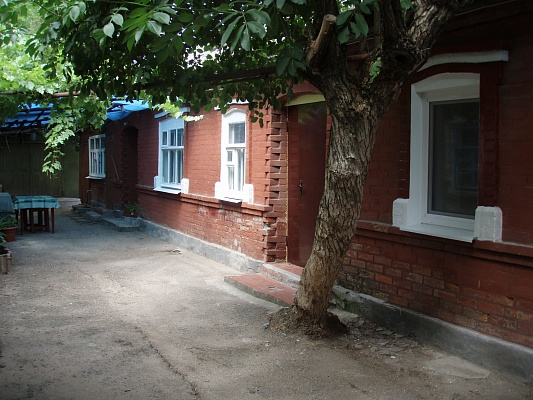 Дом  посуточно в Бердянске. ул. Дачная, 60. Фото 1