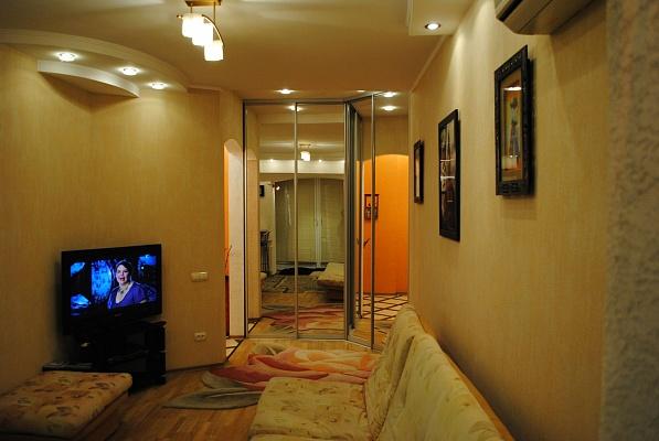 1-комнатная квартира посуточно в Керчи. ул. Юных Ленинцев, 21. Фото 1