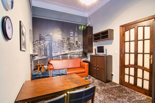 2-комнатная квартира посуточно в Львове. Галицкий район, ул. Огиенко, 18. Фото 1