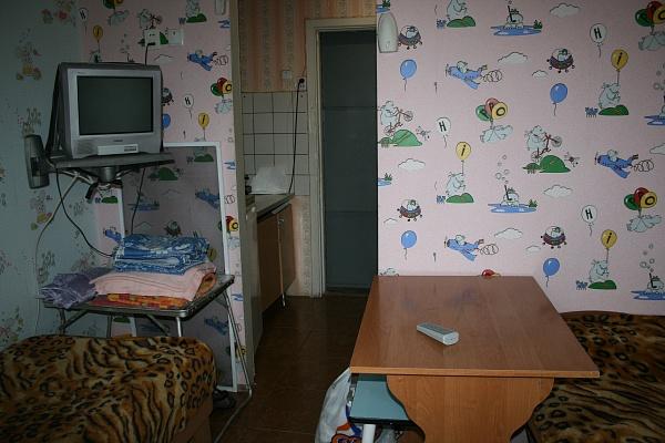 1-комнатная квартира посуточно в Евпатории. ул. Фрунзе, 28/41. Фото 1