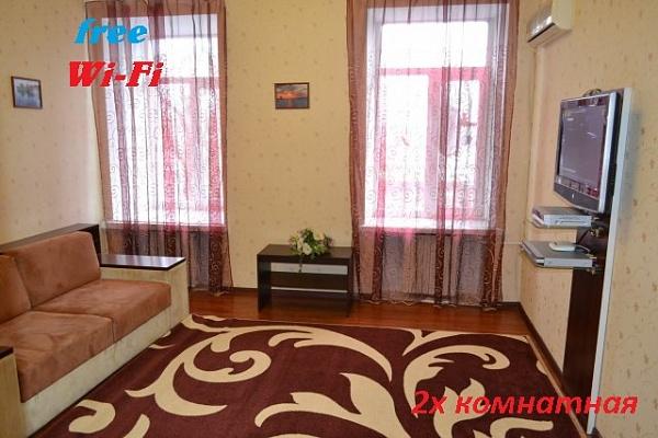 2-комнатная квартира посуточно в Днепропетровске. Кировский район, Вокзальная, 6. Фото 1