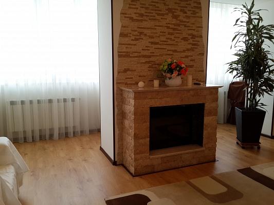 4-комнатная квартира посуточно в Одессе. Приморский район, ул. Солнечная, 1б. Фото 1