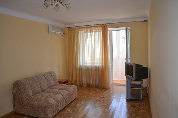 1-комнатная квартира посуточно в Евпатории. ул. Некрасова, 57. Фото 1