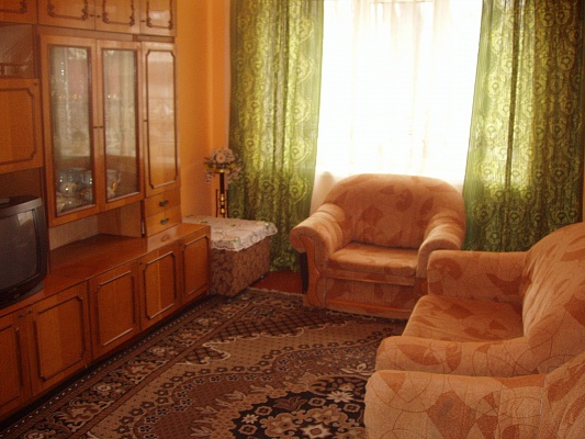 3-комнатная квартира посуточно в Ровно. ул. Королева, 4. Фото 1