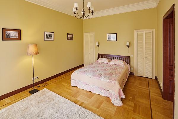 2-комнатная квартира посуточно в Львове. Галицкий район, ул. Коперника, 22. Фото 1