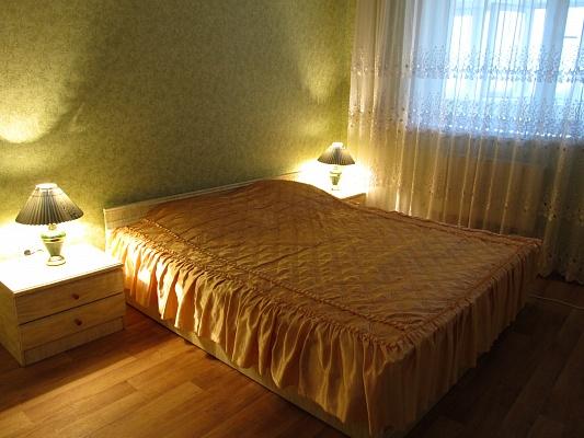 2-комнатная квартира посуточно в Белой Церкви. б-р 50 лет Победы, 99. Фото 1