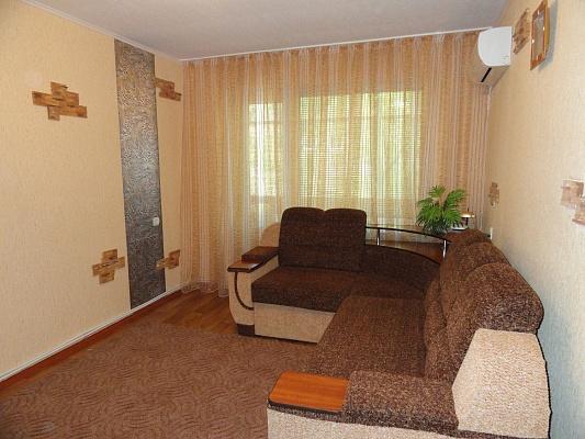 2-комнатная квартира посуточно в Никополе. ул. Шевченко, 186. Фото 1