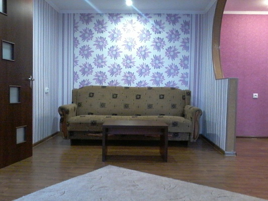 2-комнатная квартира посуточно в Мелитополе. ул. Богдана Хмельницкого, 54. Фото 1