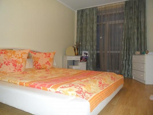 2-комнатная квартира посуточно в Ивано-Франковске. ул. Железнодорожная, 4. Фото 1