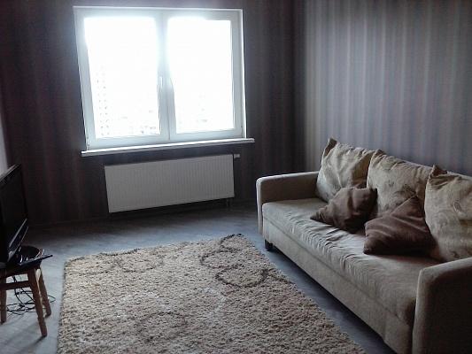 1-комнатная квартира посуточно в Киеве. Деснянский район, милославская, 2-в. Фото 1