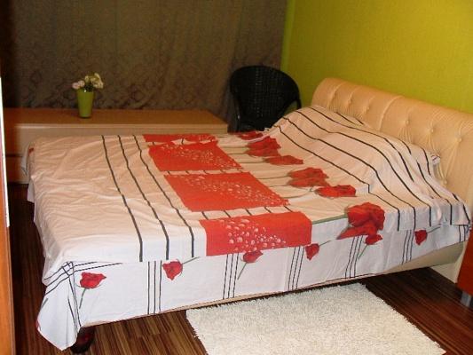 2-комнатная квартира посуточно в Одессе. Приморский район, ул. Новосельского, 66. Фото 1