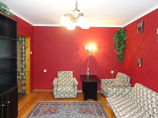 2-комнатная квартира посуточно в Хмельницком. ул. Завадского, 64/2. Фото 1