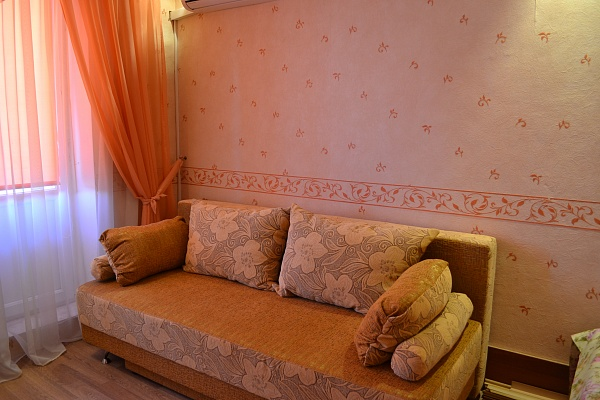 1-комнатная квартира посуточно в Севастополе. Гагаринский район, ул. Кесаева, 15. Фото 1