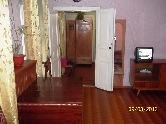 2-комнатная квартира посуточно в Одессе. Приморский район, ул. Качинского , 4. Фото 1