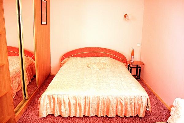1-комнатная квартира посуточно в Херсоне. Суворовский район, ул. Краснофлотская, 19. Фото 1