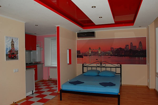 1-комнатная квартира посуточно в Луганске. Ленинский район, ул. Титова, 11. Фото 1