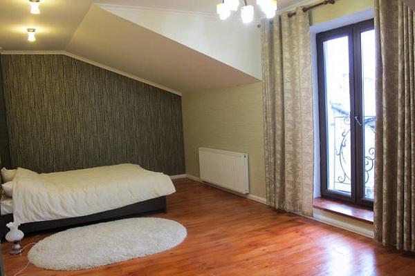 1-комнатная квартира посуточно в Львове. Лычаковский район, Донцова, 9. Фото 1