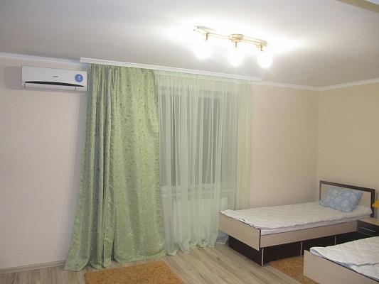 1-комнатная квартира посуточно в Берегово. ул. Мукачевская. Фото 1