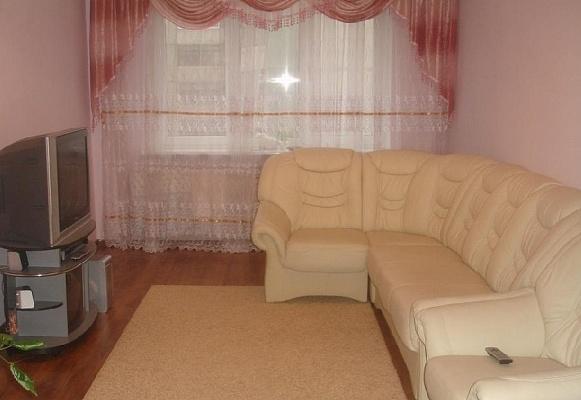 2-комнатная квартира посуточно в Луцке. ул. Конякина, 9а. Фото 1