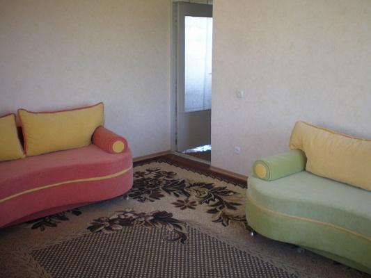 1-комнатная квартира посуточно в Севастополе. Гагаринский район, ул.Кесаева, 1. Фото 1