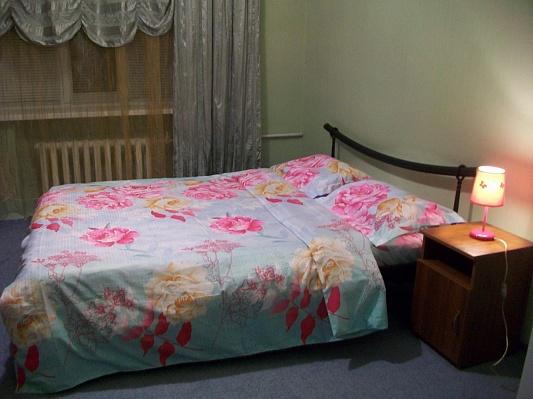 2-комнатная квартира посуточно в Киеве. Печерский район, б-р Дружбы Народов , 11. Фото 1