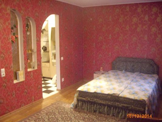 1-комнатная квартира посуточно в Чернигове. Деснянский район, ул. Преображенского, 14. Фото 1