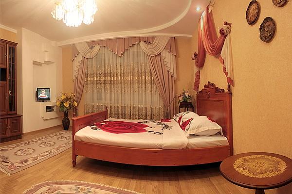 1-комнатная квартира посуточно в Полтаве. Октябрьский район, ул. Котляревского, 6. Фото 1