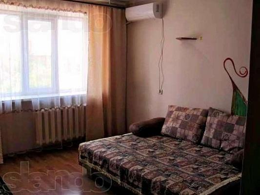 1-комнатная квартира посуточно в Ильичёвске. Пригород район, ул. Парковая, 36. Фото 1