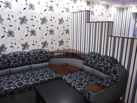 1-комнатная квартира посуточно в Никополе. ул. Барнаульская, 32. Фото 1