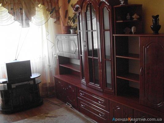 2-комнатная квартира посуточно в Ужгороде. пр. Свободы, 53. Фото 1