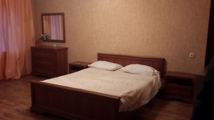 1-комнатная квартира посуточно в Кременчуге. ул. 60-лет Октября, 32. Фото 1