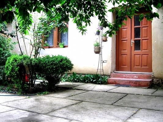 1-комнатная квартира посуточно в Берегово. ул. Мукачевская, 89. Фото 1