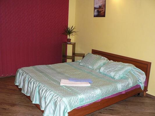 1-комнатная квартира посуточно в Хмельницком. ул. Водоканал, 22. Фото 1