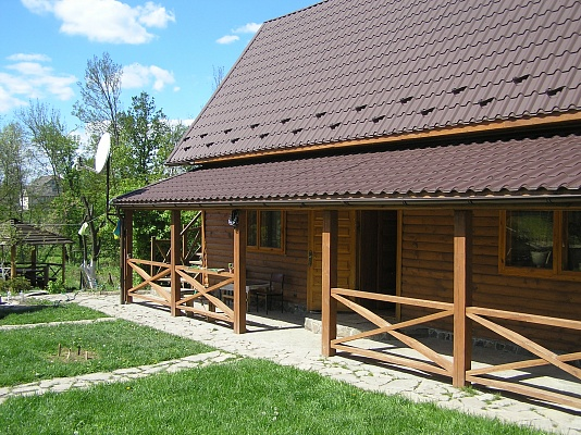 Дом  посуточно в Каменце-Подольском. c. Кадиевцы, ул. Франко, 5. Фото 1